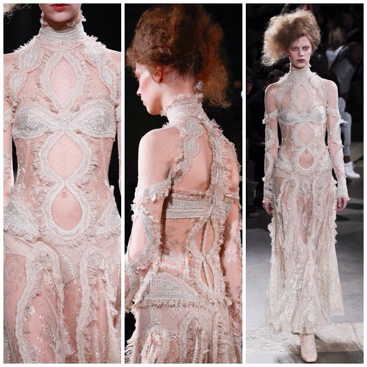 9-McQueen-Savage-Beauty-16Mar15-Victoria-and-Albert_1080x720