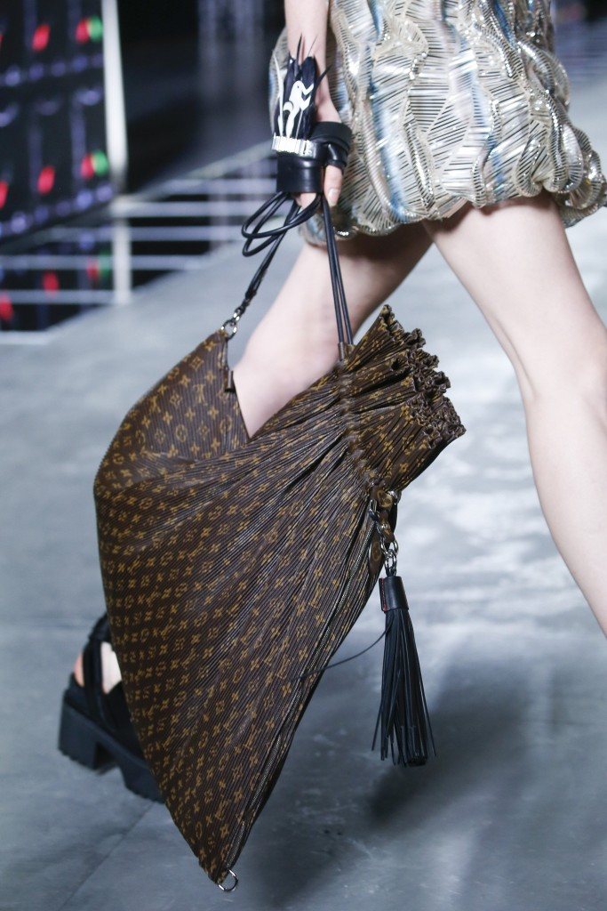best-accessories-paris-fashion-week-louis-vuitton